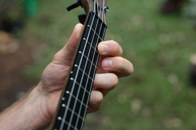 ukulele pull off after