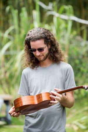 brad bordessa holding ukulele