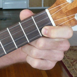 c dominant 7 ukulele chord fingering