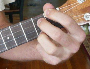 e dominant 7 ukulele chord fingering