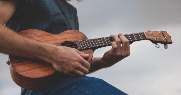 kamaka ukulele being played