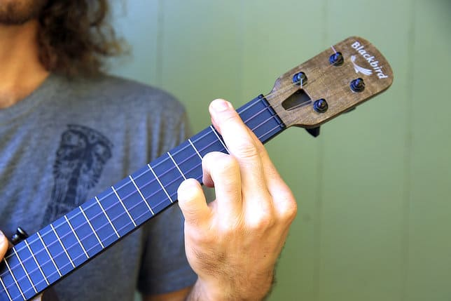 doubling up fingers to create a stronger barre ukulele