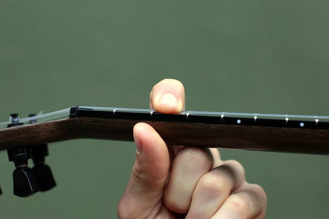 finger placement inside fret ukulele