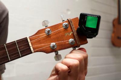 tuning e string ukulele