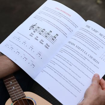 holding chord shapes book